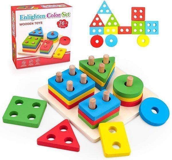 Encaje cuadrado de figuras geométricas